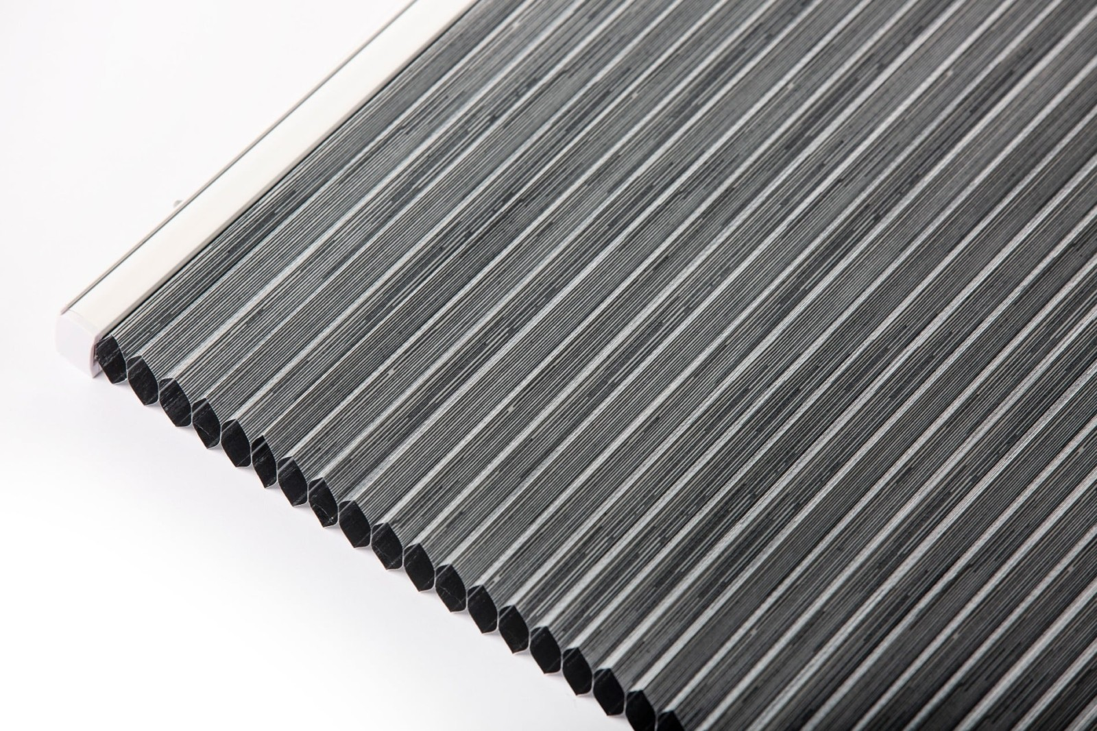 SG Pleated blinds dark material